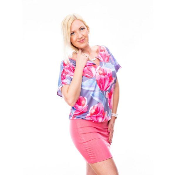 Rózsaszín virágmintás díszcsatos ruha / tunika