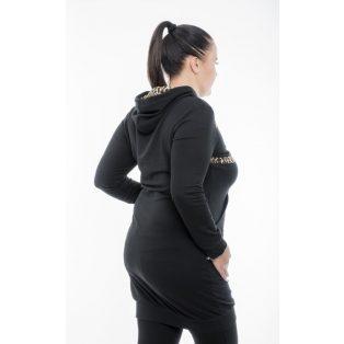 Hosszú ujjú fekete kapucnis sportos ruha