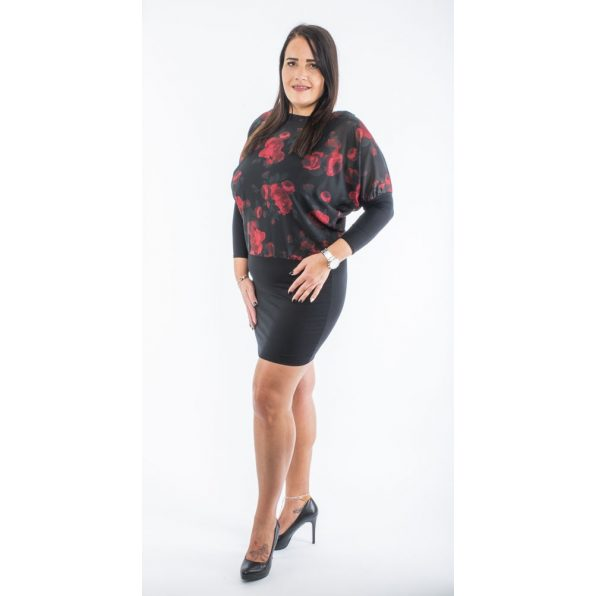 Fekete alapon piros rózsás muszlin ruha, trikóval